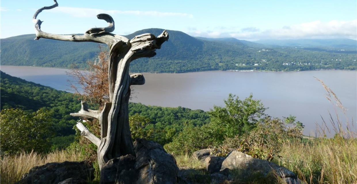 Hudson River from atop Sugarloaf Mountain - Photo credit: Daniela Wagstaff